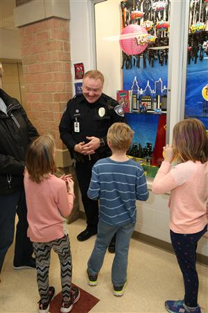 officer payne meets with montgomery students