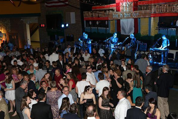 Students and parents enjoy the Odd Couples Ball, 2015